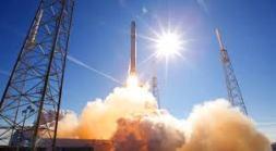Falcon 9 launch photo