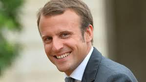 Macron photo-2